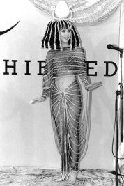 Cher as Cleopatra, 1988. Photo via Getty Images