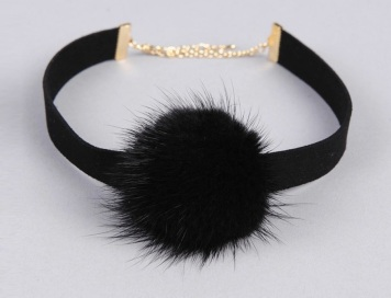 fur-detail-choker